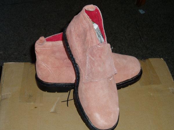 模压加盖钢头劳保鞋