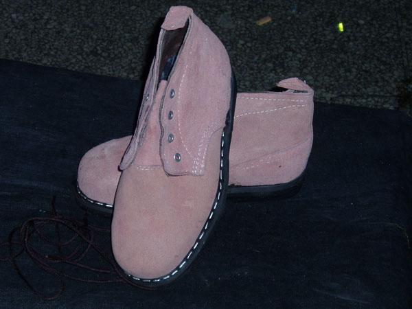 胎底钢头劳保鞋
